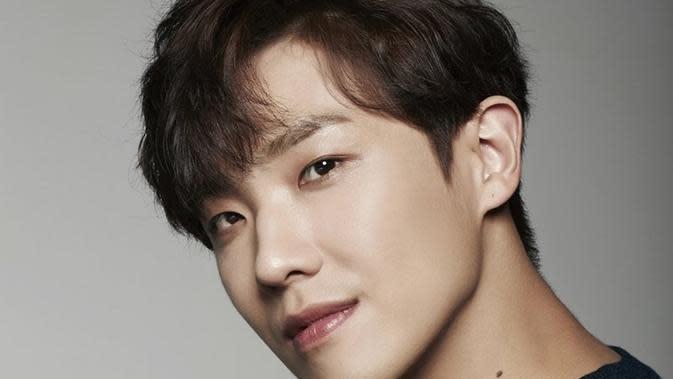 Lee Joon (foto via Soompi)