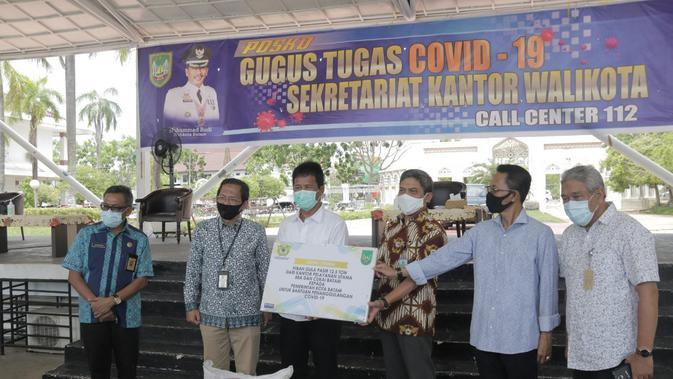 Bantu Warga, Bea Cukai Serahkan 12,5 Ton Gula Impor ke Pemkot Batam