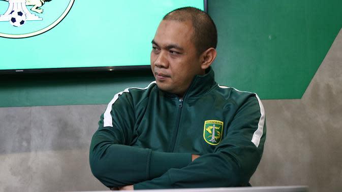 Candra Wahyudi, manajer Persebaya Surabaya. (Bola.com/Adiyta Wany)