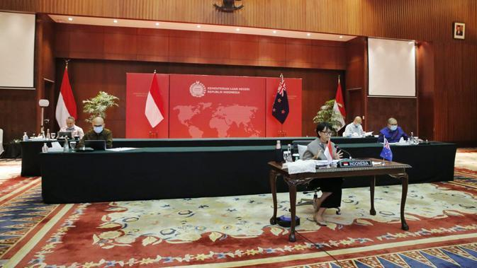 Menlu Retno Marsudi dalam Joint Commission dengan Selandia Baru. (Dok: Kemlu RI)