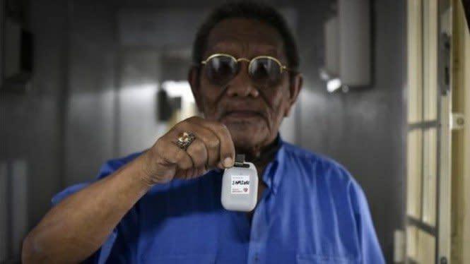 Covid-19: Singapura Mulai Bagikan Gadget Pelacak kepada Warga