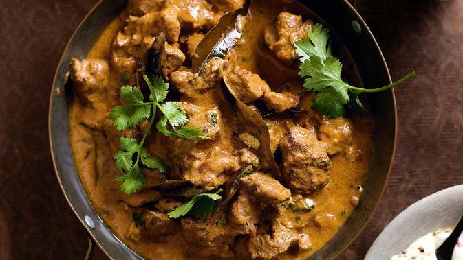 Jangan cuma memikirkan resep gulai kambing yang enak, kamu juga harus tahu kiat makan sehat saat Idul Adha. (Sumber: taste.com.au)