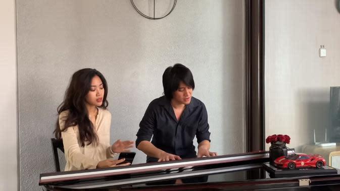 Dengan aransemen khusus, Kevin dan Widy buat lagu Keke Bukan Boneka disukai netizen.
