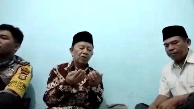 Pernikahan via video call di Kolaka saat pandemi Covid-19.(Liputan6.com/Ahmad Akbar Fua)
