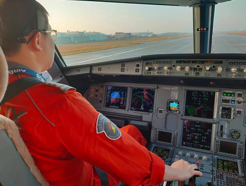 JX-8888微旅行航班將由K董親自執飛。(圖/翻攝自星宇航空臉書)