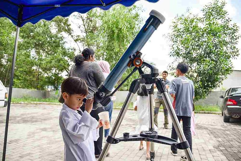 With a number of activities lined up Faiz hopes our future space leaders will be inspired by the World Space Week events. — Picture via Facebook/AstroX
