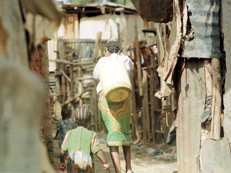 肯亞少女每個月的夢魘⋯被迫性交只為換取「衛生棉」
