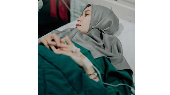 Belum Bertemu Bayinya Usai Melahirkan, Ini 6 Potret Terbaru Zaskia Adya Mecca (sumber: Instagram.com/zaskiadyamecca)