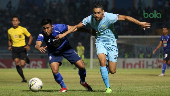 Belum Teken Kontrak Baru, Hanif Sjahbandi Pastikan Bertahan di Arema FC