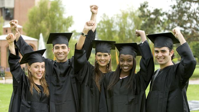 Dapat beasiswa tanpa syarat TOEFL dan IELTS? Bisa!