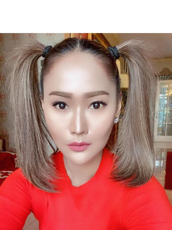 6 Gaya Rambut Inul Daratista Paling Curi Perhatian, Konsisten Nyentrik (sumber: Instagram.com/inul.d)