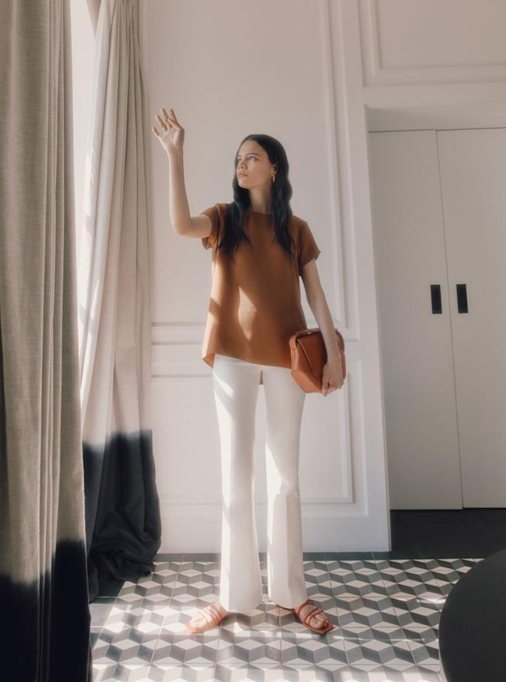 """<p>Karla Gallardo and Shilpa Shah set out to create a label that values timelessness and sustainability above all. So in 2011, the San Francisco–based design duo founded Cuyana, first launching with hats and scarves that were minimalist in look, but were intricately crafted by skilled artisans across the globe. In less than a decade, they built out their offering to include apparel, handbags, and, most recently, jewelry—all of which follow the brand's tagline: """"Fewer, better is the philosophy behind everything we do.""""    </p><p><a class=""""body-btn-link"""" href=""""https://go.redirectingat.com?id=74968X1596630&url=https%3A%2F%2Fwww.cuyana.com%2F&sref=https%3A%2F%2Fwww.harpersbazaar.com%2Ffashion%2Ftrends%2Fg34272206%2Flatino-owned-businesses%2F"""" target=""""_blank"""">Shop Now</a></p>"""