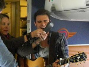 Kris Allen Makes the Skies a Little Friendlier