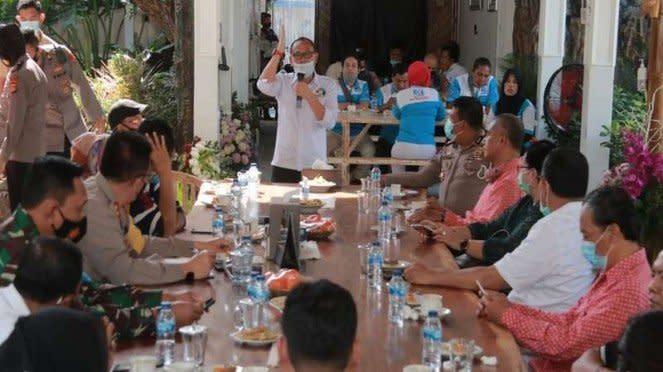 Gubernur dan Kapolda NTB berdiskusi dengan perwakilan buruh