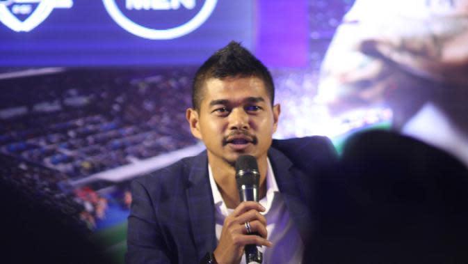 Ikon sepak bola Indonesia, Bambang Pamungkas, menjadi pembicara untuk memotivasi pemain-pemain U-16 yang akan berkompetisi di Liga Nivea Men Topskor U-16. (Istimewa)