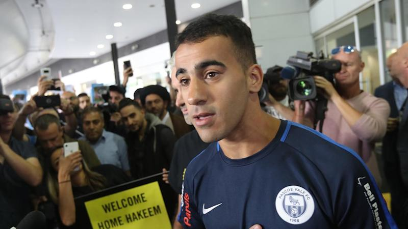 Refugee footballer Hakeem Al-Araibi has been welcomed home to Melbourne by throngs of supporters