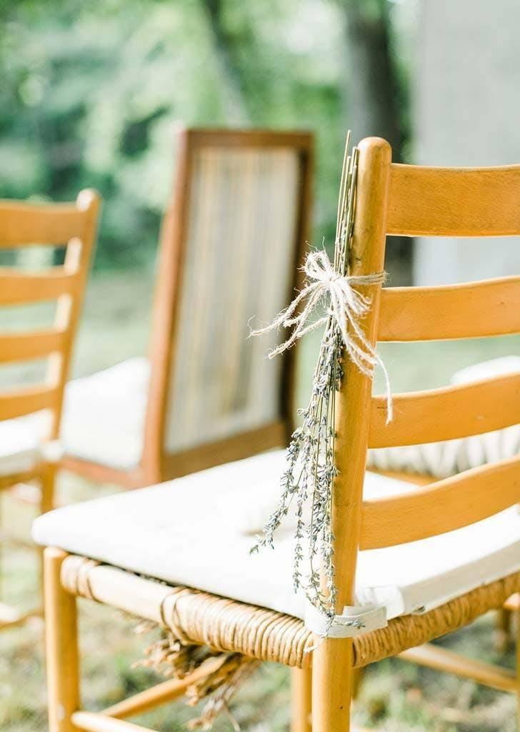 Lavender was tied to each seat (Danielle Riley Photography)