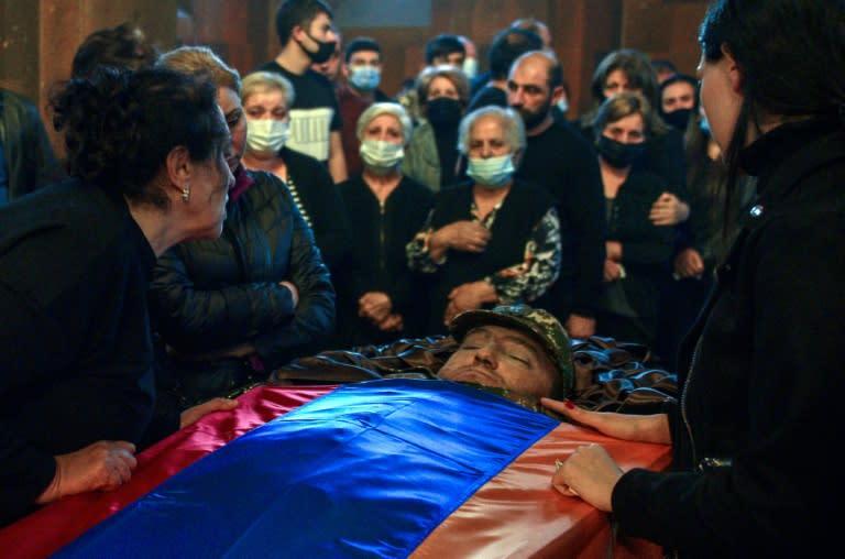 Pompeo hopes Armenia to 'defend' itself against Azerbaijan
