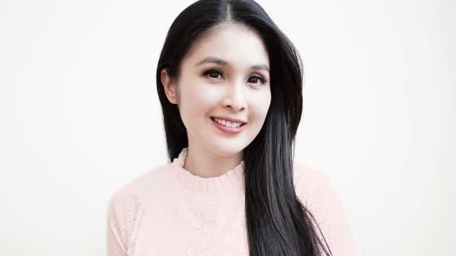 Gak Pernah Nyalain Kompor, Sandra Dewi Pamer Video Masak Perdana