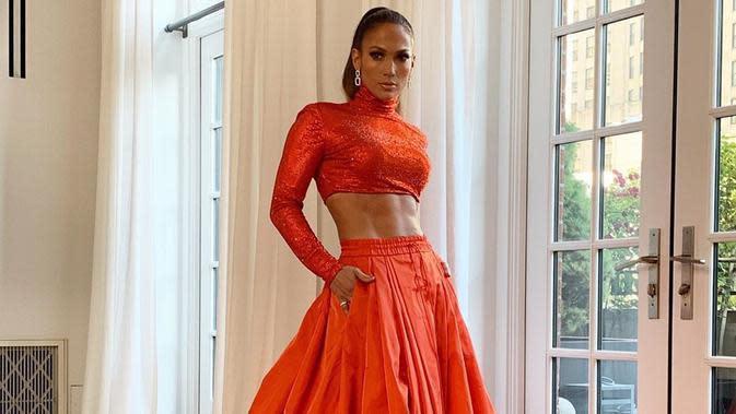 Sontek Gaya Rambut Baru J.Lo yang Jadi Tren Musim Dingin Tahun Ini