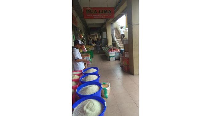 Efek Virus Corona, Ini 6 Potret Pasar Tradisional Sepi Pengunjung (sumber: Twitter.com/alle_santo)
