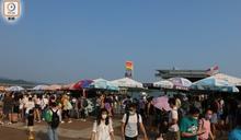 近千人逼爆西貢 餐廳船艇滿載遊客 小巴須等40分鐘