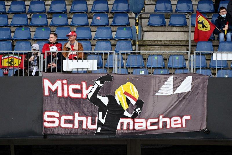 Cuaca buruk batalkan debut latihan F1 Mick Schumacher
