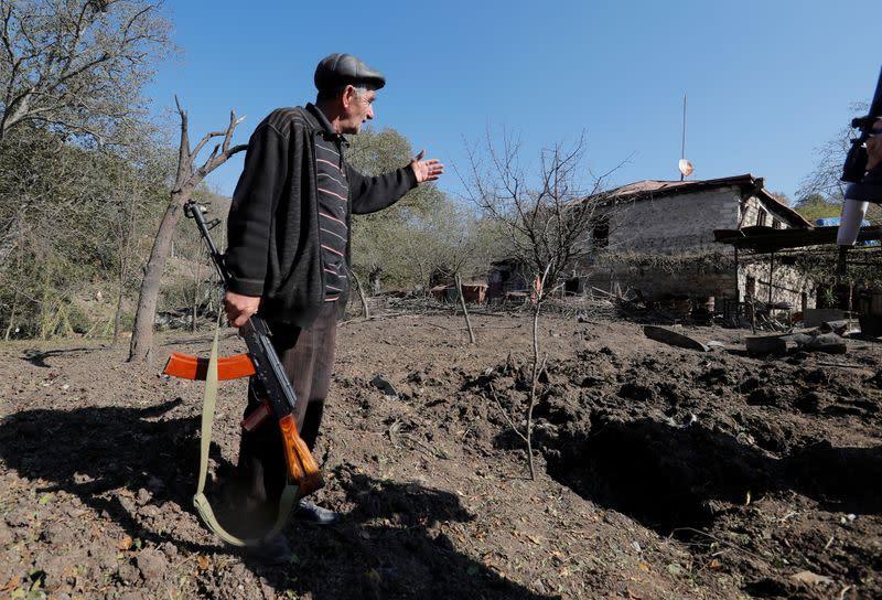 Armenia and Azerbaijan truce breaks down within hours