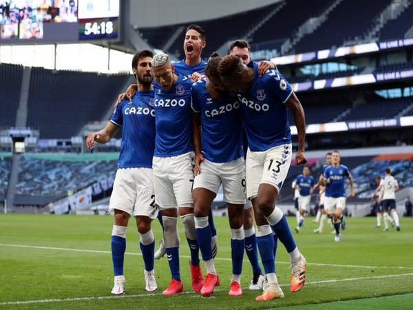 Everton celebrate after scoring against Tottenham (Photo/ Everton Twitter)