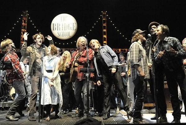 Eddie Vedder Joins Guns N' Roses and Jack White at Bridge School Benefit