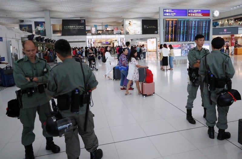 Hong Kong izinkan maskapai pertahankan slot bandara meski kapasitas berkurang