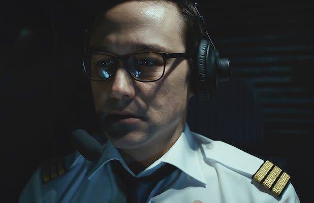 '7500' Film Review: Joseph Gordon-Levitt Gets Tough in Nerve-Wracking Cockpit Thriller