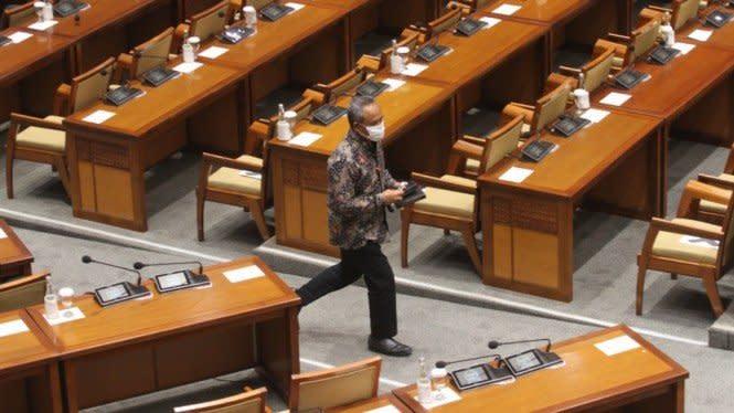 Alasan DPR Tak Bagikan Naskah Final UU Cipta Kerja Saat Paripurna