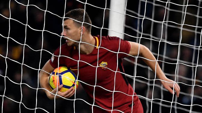 Edin Dzeko, bomber andalan AS Roma. (AFP/Tiziana Fabi)