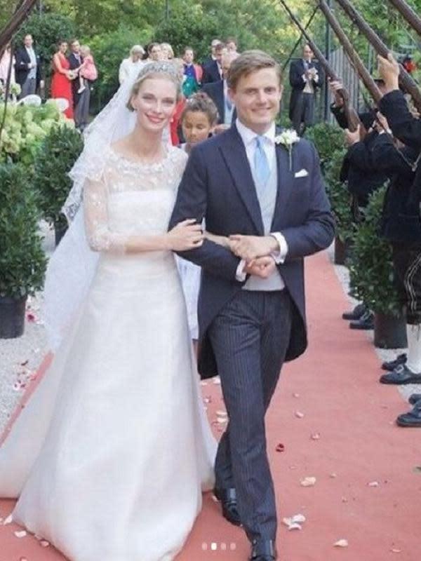 Pangeran Henri dari Bourbon-Parma, Spanyol, menikahi Putri Gabriella dari Austria (Dok.Instagram/@madameei/https://www.instagram.com/p/CFIMozaHFHR/Komarudin)