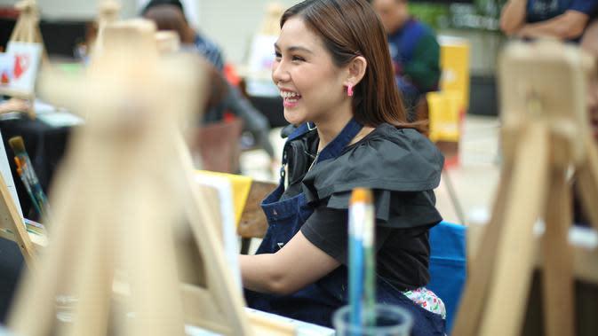 Vanesha Prescilla di temui kawasan SCBD, Jakarta Selatan, Kamis (6/2/2020). (Adrian Putra/Fimela.com)