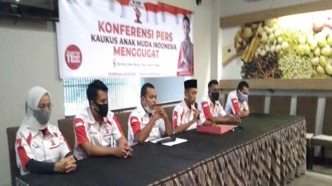 Kaukus Anak Muda Indonesia (KAMI) menyampaikan gugatan ke Din Syamsuddin Cs