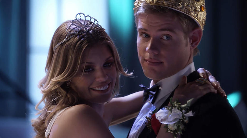 """90210"" -- ""The Prom Before the Storm"" (2011)"