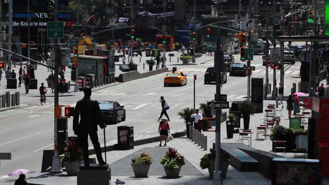 Penampakan Times Square di New York, Amerika Serikat, 23 Juli 2020. Jumlah kasus COVID-19 di AS telah menembus angka 4 juta, tepatnya 4.005.414, pada Kamis waktu setempat, menurut lembaga Center for Systems Science and Engineering (CSSE) di Universitas Johns Hopkins. (Xinhua/Wang Ying)