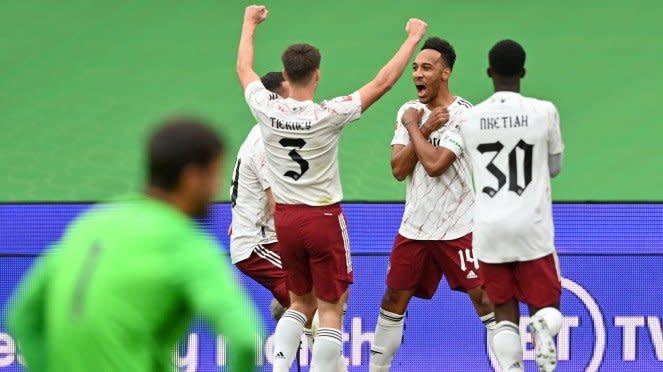 Arsenal merayakan gol ke gawang Liverpool di Community Shield