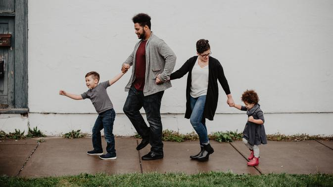 Ilustrasi keluarga kecil. (Photo by Emma Bauso on Pexels)