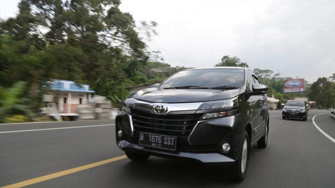 Top3: Mobil Terlaris di Indonesia dan Peluncuran Kawasaki W175TR