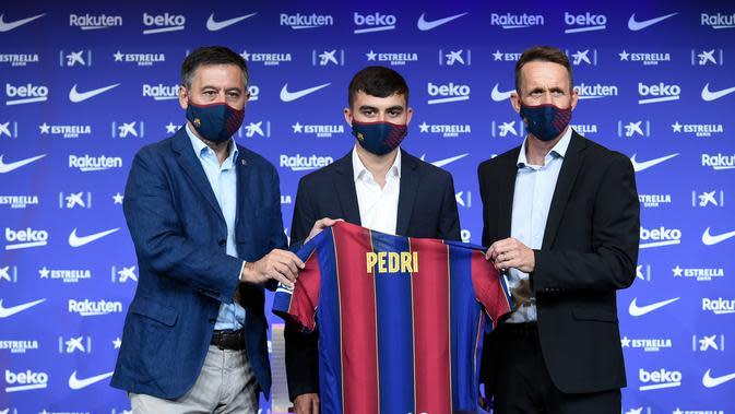 Pemain anyar Barcelona, Pedri juga masuk dalam hitungan Ronald Koeman (AFP)