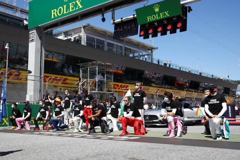 Perangi rasisme, Hamilton dan para pebalap F1 berlutut di GP Austria