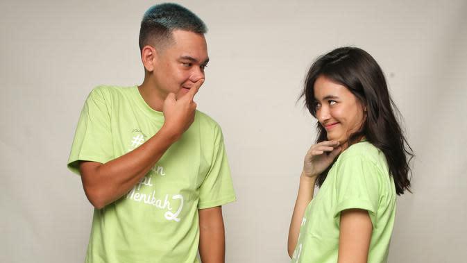 Adipati Dolken dan Mawar Eva De Jongh saat Media Visit Film Teman Tapi Menikah 2 di kantong KLY, Gondangdia, Jakarta Pusat (27/2/2020). (FOTO: Adrian Putra/Fimela.com)