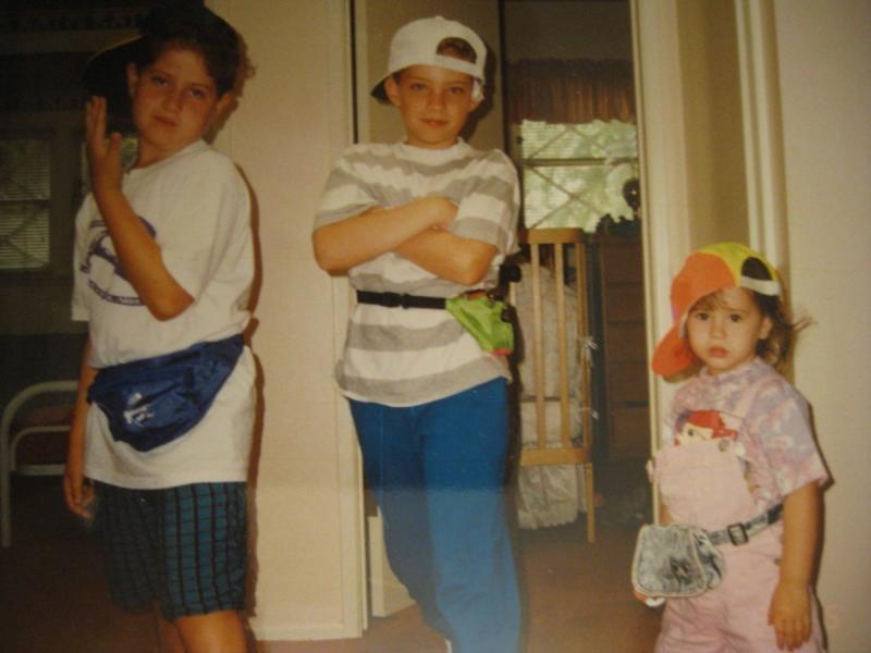 90s fashion fanny packs