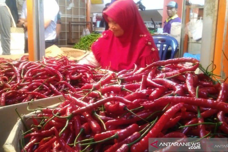 Kenaikan harga cabai dan bawang penyumbang inflasi Januari di Padang