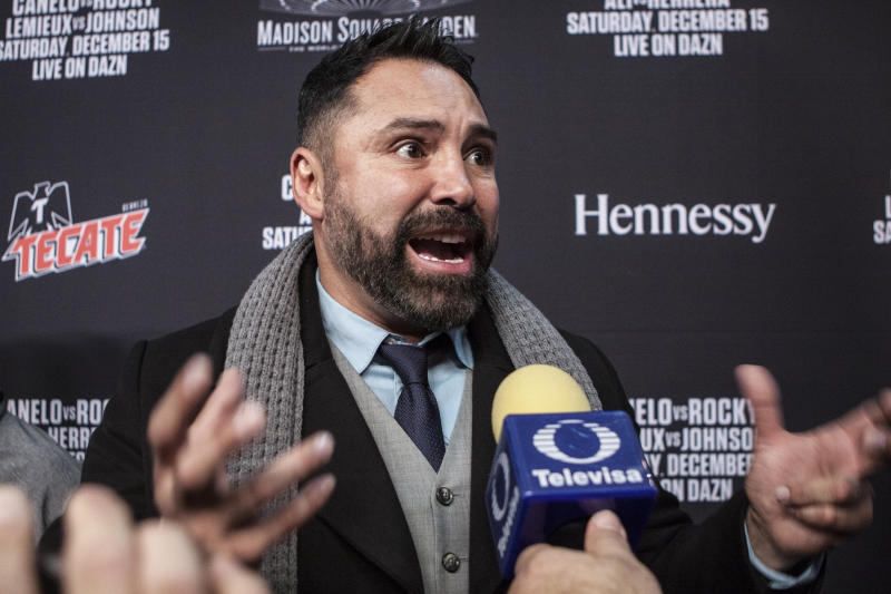 NEW YORK, NY - DECEMBER 11: Oscar De La Hoya speaks to the Press during the Canelo vs. Rocky Grand Arrival/Welcome party at Ainsworth Chelsea on December 11, 2018 in New York City. (Photo by Bill Tompkins/Getty Images)
