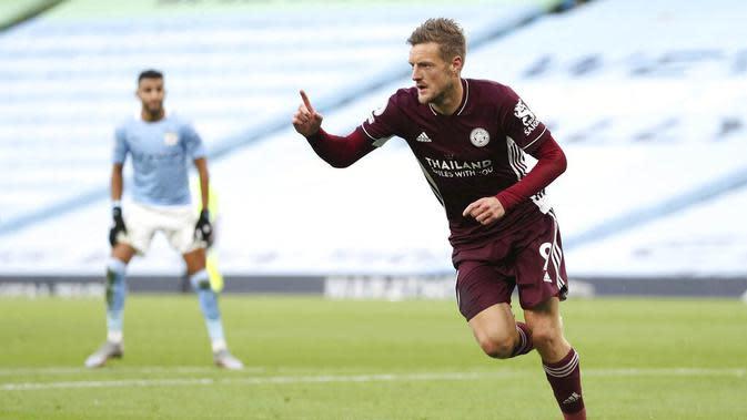 1. Jamie Vardy (Leicester City) - Peraih gelar top skor Premier League musim lalu ini mencetak hattrick kala timnya mempermalukan Manchester City. Kini Vardy telah mengoleksi 5 gol dan berada di posisi teratas daftar top skor sementara Liga Inggris. (Catherine Ivill/Pool via AP)