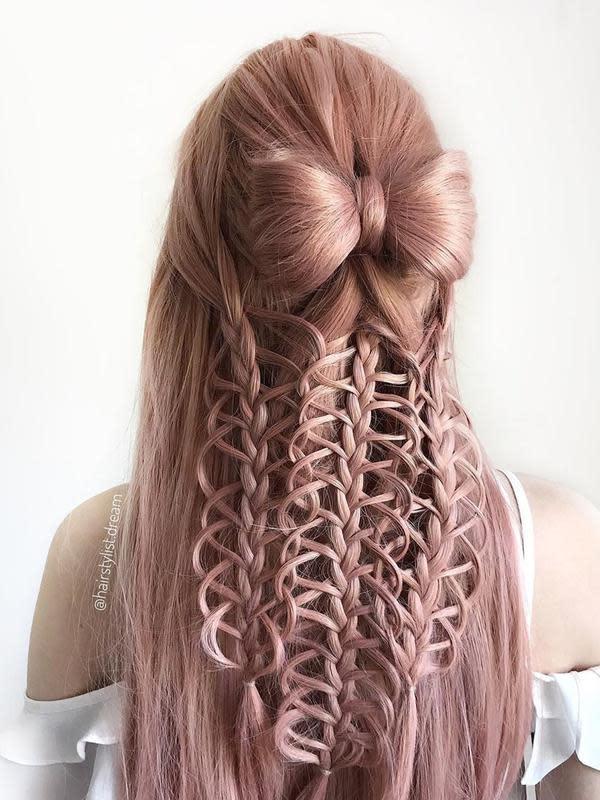 Gadis di Jerman mampu menciptakan beragam gaya rambut (dok.Instagram/@hairstylist.dream/https://www.instagram.com/p/B-g7Bg1iph7/Komarudin)